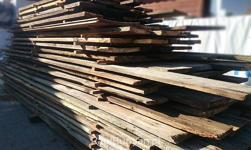 Szare deski ze starego drewna