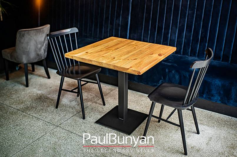 Drewniany Stolik Ze Starego Drewna Do Restauracji Lub Kawiarni